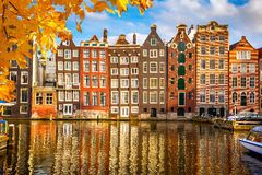 Vecchie costruzioni a Amsterdam Fotografia Stock Libera da Diritti