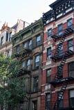 Vecchie costruzioni dell'appartamento della città Fotografia Stock
