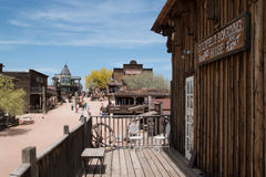 Vecchie costruzioni della città di selvaggi West fotografia stock