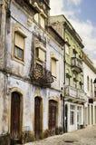 Vecchie costruzioni di appartamento portoghesi variopinte Fotografia Stock