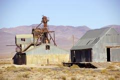Vecchie costruzioni di estrazione mineraria Immagini Stock Libere da Diritti