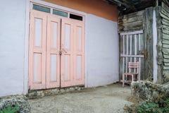 Vecchie, costruzioni di pietra nella campagna fotografie stock libere da diritti
