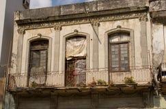 Vecchie costruzioni dilapidate a Avana, Cuba Fotografie Stock Libere da Diritti