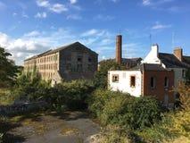 Vecchie costruzioni in disuso Immagine Stock