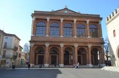 Vecchie costruzioni medievali sulla piazza Cavour Fotografie Stock Libere da Diritti