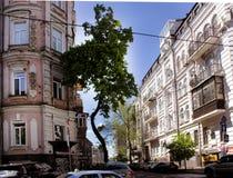 Vecchie costruzioni sulle vie di Kiev Fotografia Stock