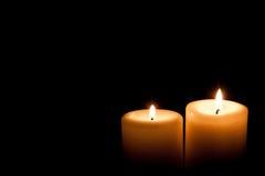 Vecchie due candele brucianti, primo piano Fotografia Stock Libera da Diritti