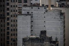 Vecchie e costruzioni concrete invecchiate Fotografie Stock
