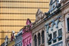 Vecchie e nuove costruzioni in Kuala Lumpur fotografia stock libera da diritti