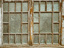 Vecchie finestre con pittura sbucciata Fotografie Stock