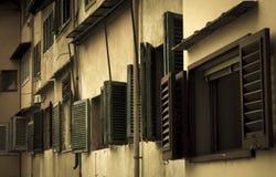 Vecchie finestre di Firenze Immagini Stock