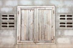 Vecchie finestre di legno. Fotografia Stock