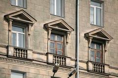 Vecchie finestre di pietra Fotografia Stock