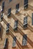 Vecchie finestre in Nizza Fotografia Stock Libera da Diritti