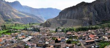 Vecchie inca di Ollantaytambo e città, valle sacra Immagini Stock