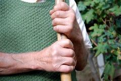 Vecchie mani dell'operaio Fotografie Stock