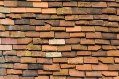 Vecchie mattonelle di tetto Immagine Stock