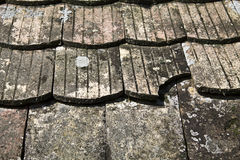 Vecchie mattonelle di tetto Fotografia Stock Libera da Diritti