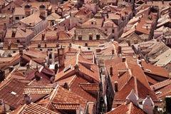 Vecchie mattonelle di tetto rosse Fotografia Stock Libera da Diritti