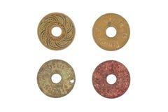 Vecchie monete antiche di decadimento della Tailandia isolate Fotografie Stock