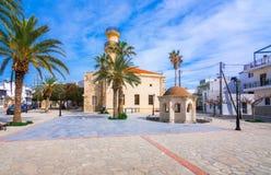 Vecchie moschea e fontana turche nella città di Ierapetra sull'isola di Creta, Grecia fotografia stock