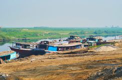 Vecchie navi da carico, Mandalay, Myanmar fotografie stock libere da diritti