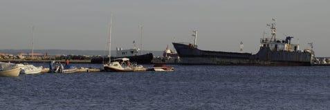 Vecchie navi in un porto Fotografie Stock