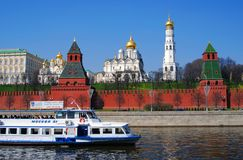 Vecchie pareti e chiese del Cremlino di Mosca Fotografia Stock