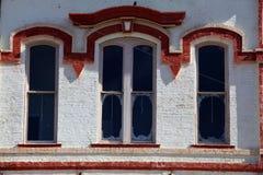 Vecchie parti anteriori del deposito della città Fotografia Stock Libera da Diritti