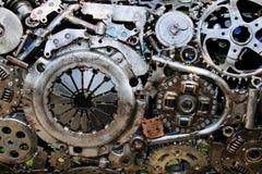 Vecchie parti del veicolo per il trasporto del metallo saldate insieme fotografia stock libera da diritti