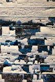 Vecchie plance di legno con il resti di petrolio-pittura incrinata Fotografia Stock Libera da Diritti