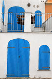 Vecchie porta e finestra blu, Alghero, Sardegna Fotografia Stock