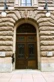 Vecchie porte nel Riksdag svedese Immagini Stock