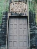 vecchie porte nella vecchia casa nella città di Kiev Immagine Stock
