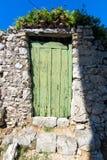 Vecchie porte verdi d'annata Fotografia Stock Libera da Diritti