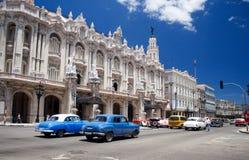 Vecchie retro automobili americane classiche a Avana, Cuba - 4 immagini stock libere da diritti
