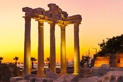 Vecchie rovine nel lato, Turchia al tramonto Fotografia Stock