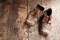 Vecchie scarpe Fotografia Stock Libera da Diritti