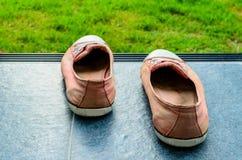 Vecchie scarpe Immagini Stock Libere da Diritti