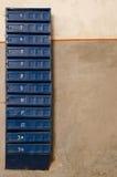 Vecchie scatole della posta, città antica delle cassette delle lettere Fotografie Stock