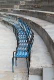 Vecchie sedie del metallo al teatro antico dell'arancia, Francia Immagini Stock Libere da Diritti