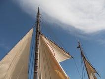 Vecchie vele della barca a vela immagini stock