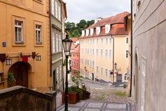 Vecchie vie di Praga Fotografie Stock