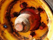 Vecchie viti matte e pesanti arrugginite dei bulloni, Fotografia Stock
