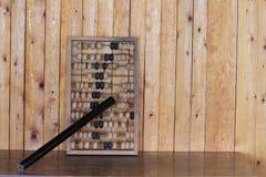 Vecchio abaco di legno per la calcolazione fotografia stock libera da diritti