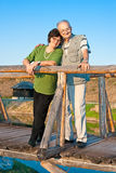 Vecchio abbraccio delle coppie di amore Immagine Stock