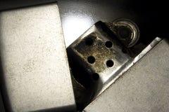 Vecchio accenditore d'argento 1 immagini stock libere da diritti