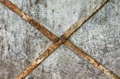 Vecchio acciaio arrugginito sulla parete molto arrugginita Fotografia Stock