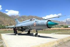 Vecchio aereo di combattimento di MIG 21 Immagini Stock