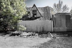 Vecchio, afflitto, abbandonato a casa Fotografie Stock